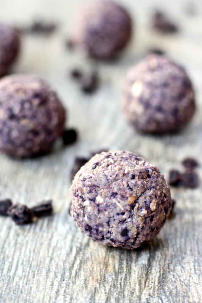 blueberry cobbler cookie dough bites