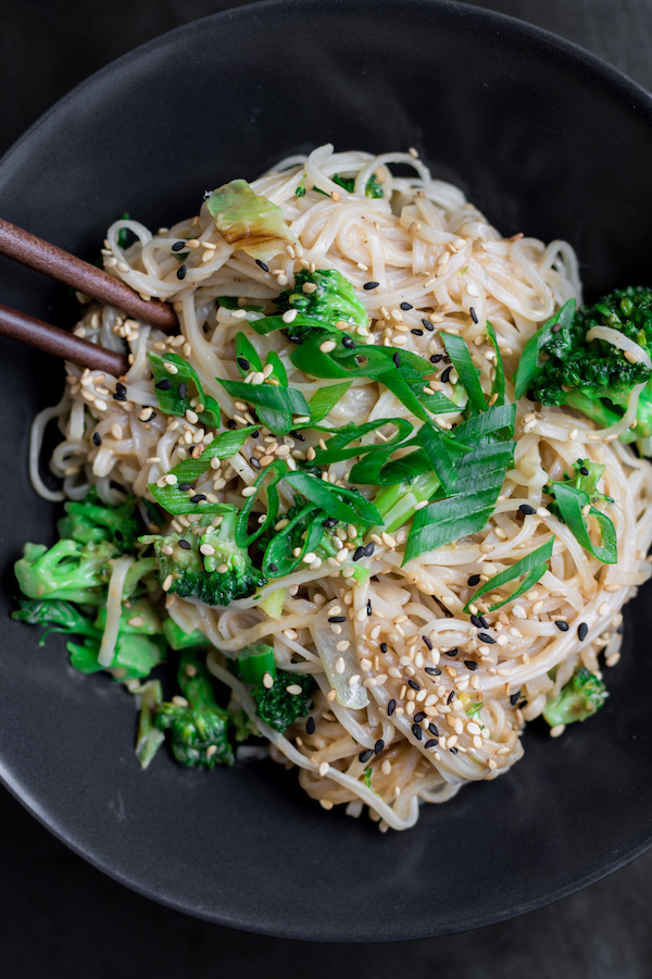 Quick and easy stir fry noodles for one